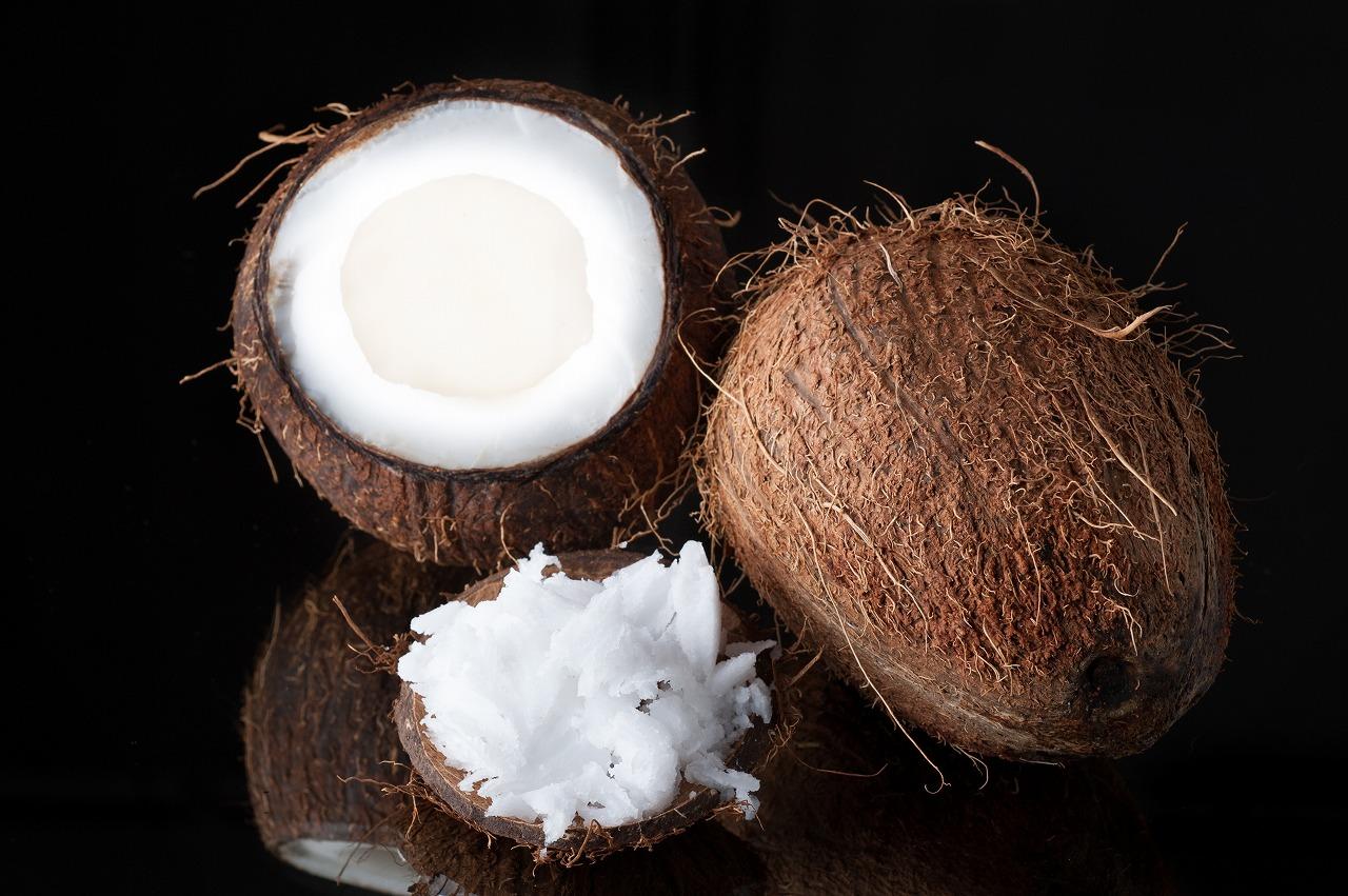画像B:ココナッツオイル
